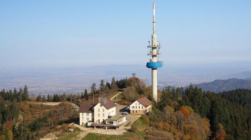 1280px-Aerial_view_-_Hochblauen3