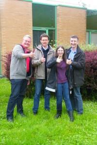 Nouveaux opérateurs du service amateur Emmanuel, Laurent et Floriane, accompagné de F5UII Christian